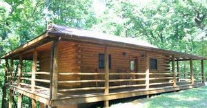 Eureka Springs Ozark Mountains Cabins with outdoor hot tubs